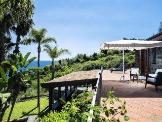 Santa Tecla Villa Sleeps 8 with Pool Air Con and WiFi - 5312345