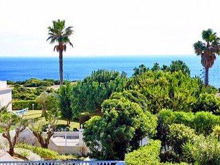4 bedroom Villa in Carvoeiro, Faro, Portugal : ref 5310462
