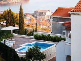 4 bedroom Villa in Dubrovnik, Dubrovacko-Neretvanska Zupanija, Croatia : ref 531