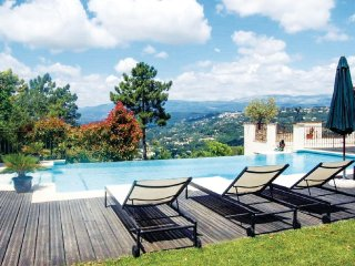 Stunning home in Montauroux w/ WiFi and 4 Bedrooms