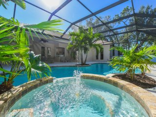 Elegant villa 3 bedms/2 bathms with pool close to Anna Maria