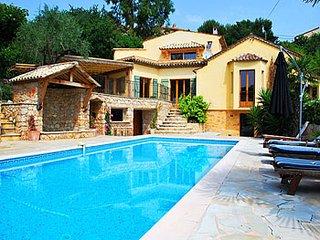 4 bedroom Villa in Grasse, Provence-Alpes-Côte d'Azur, France : ref 5247102