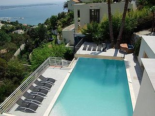 5 bedroom Villa in Golfe-Juan, Provence-Alpes-Côte d'Azur, France : ref 5247077