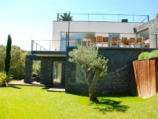 Begur Villa Sleeps 8 with Pool Air Con and WiFi - 5246756