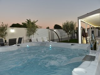 Villa Ulisse: Luxury Villa with Jacuzzi and Bath en Suite near the Beach