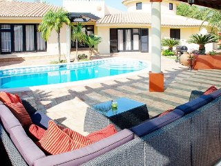 4 bedroom Villa in Estômbar, Faro, Portugal : ref 5239058
