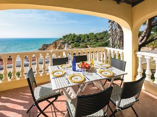 3 bedroom Villa in Praia do Carvoeiro, Faro, Portugal : ref 5239050