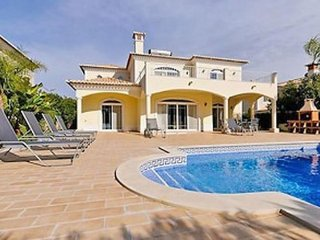 4 bedroom Villa in Vale do Garrao, Faro, Portugal : ref 5239045