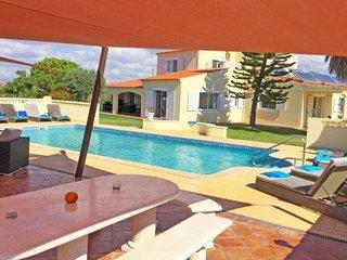 6 bedroom Villa in Poço Partido, Faro, Portugal : ref 5239036