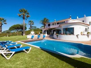 5 bedroom Villa in Vale do Lobo, Faro, Portugal : ref 5238960