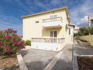 2 bedroom Apartment in Hvar, Splitsko-Dalmatinska Županija, Croatia : ref