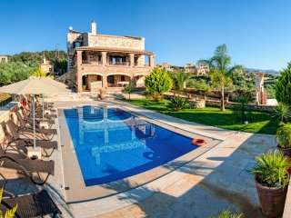 5 bedroom Villa with Pool, Air Con and WiFi - 5217986