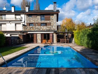 6 bedroom Villa in La Seu d'Urgell, Nouvelle-Aquitaine, Spain : ref 5083659