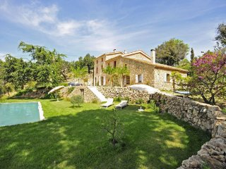 4 bedroom Villa in Valauris, Provence-Alpes-Côte d'Azur, France : ref 5049571
