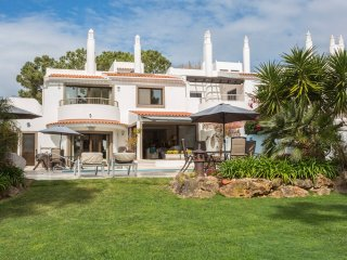 3 bedroom Villa with Pool, Air Con and WiFi - 5049147