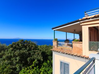 Casa Fiorita - Charming villa with terrace and seaview