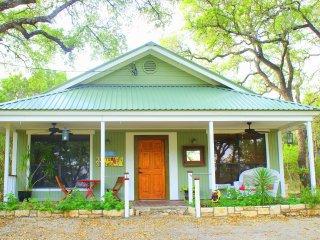 Mystic Hills  – Hilltop Cottage