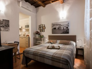 Cosimo - Tastefully decorated romantic studio perfect for 2 in Florence