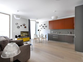 Beautiful 65 sq. mt. apartment in elegant building