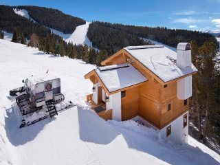 Game Creek Chalet: Vail's only On-Mountain Chalet. ~ RA133243