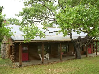Wimberley Log Cabins Resort and Suites- Unit 1