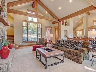 Beautiful Executive Home Located on the River Golf Course With Amazing Views