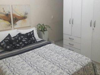 aluguel de quartos inteiros ou camas próximo à praia de Iracema