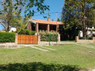 Casa en La Bolsa, lugar con encanto, barrio privado. La Serranita.