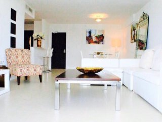 2 Bedrooms Luxury Condo Miami Beach