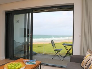 LITTLE FISTRAL, open plan, balcony, overlooking the beach, in Newquay, Ref. 9627