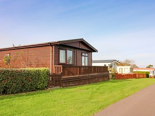 SEA VIEW LODGE, open plan, decking, Quantock Hills AONB, Ref 924003
