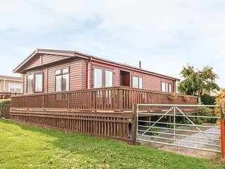 SEA VIEW LODGE, open plan, decking, Quantock Hills AONB, Ref 924003