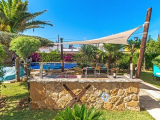 Charming Villa with Pool and Beautiful Garden by the Sea
