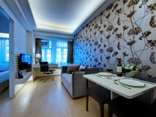 1-bed with Stunning Harbour View, HK