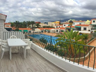 Marvelous Two-Bedroom Apartment Two Terraces Swimming Pool