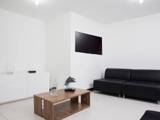 Central and Modern Apartment - 202