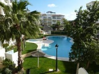 Residencial Duquesa 2: Bright Apartment, 2 Bed-Bath, Completely New Furnished.