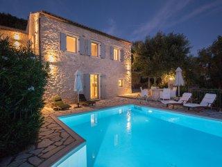 Villa Neraida - Spectacular Views & Private Pool