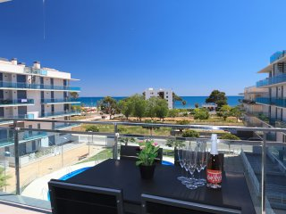 UHC MAR AUGUSTA 083: beautiful apartment situated by the centre of Cambrils !