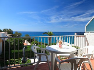 UHC XIPRE 111: Lovely apartment in the calm area of Cap Salou,a residential area