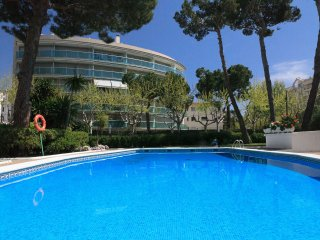UHC GISAMAR 080: Lovely duplex apartment in the center of Salou. Total relax!!