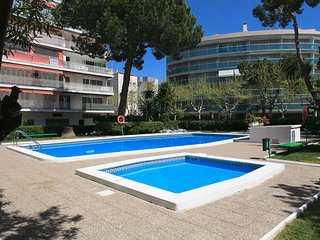 UHC GISAMAR 080: Lovely duplex apartment in the center of Salou touristic area!