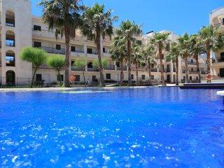 UHC CASA DAURADA 238: High standard apartment in the centre of Miami Playa !