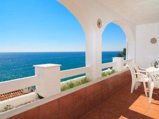 CASAS BLANCAS 014: Nice summer house,in a lovely complex on the beach Cala Cranc