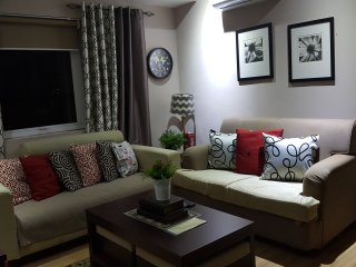 GORGEOUS 2 BD,2 BA AT THE HEART OF BGC