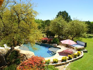 Texas Hill Country Oasis - Hot tub, pool, and more! - Rock N Wood - 4 BR/3.5 BA