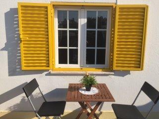 SESIMBRA - Petite Maison de vacances avec parking privé dans le petit village de