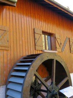 Notre grande roue hydraulique.