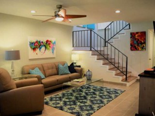 Steps From El Paseo!!! Beautiful, Bright & Modern; Newly Redecorated Condo