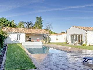 Belle propriété avec piscine à Loix